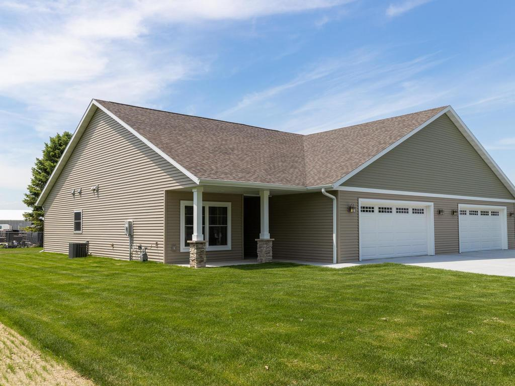 502 1st SW Property Photo - Hayfield, MN real estate listing