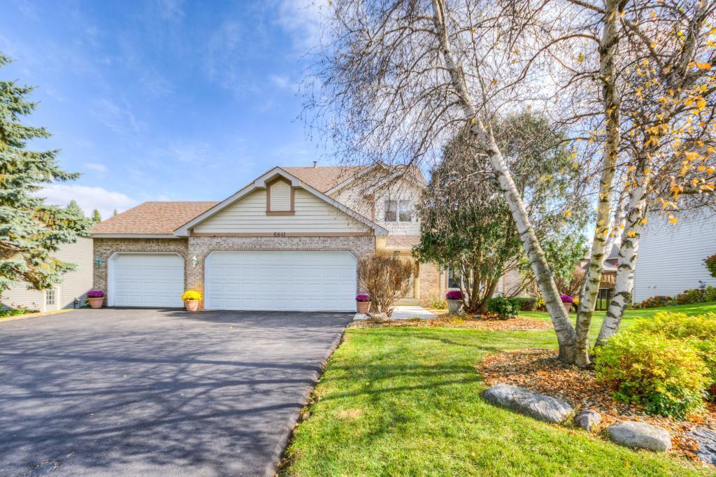 6841 Lorena Lane Property Photo - Eden Prairie, MN real estate listing