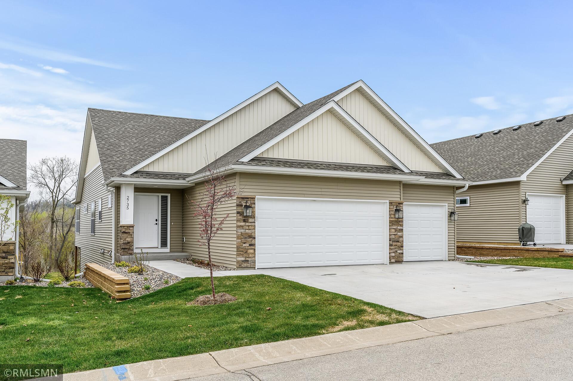 2735 Ridgeview Drive Property Photo