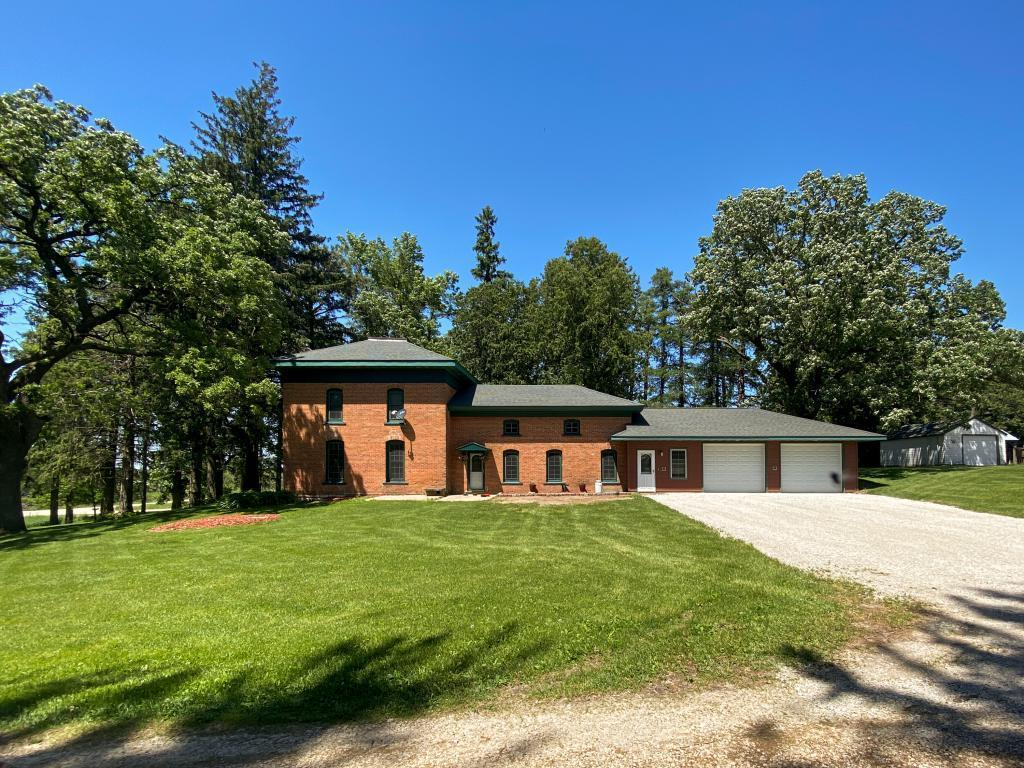 8014 County Road 136 SE Property Photo - Chatfield, MN real estate listing