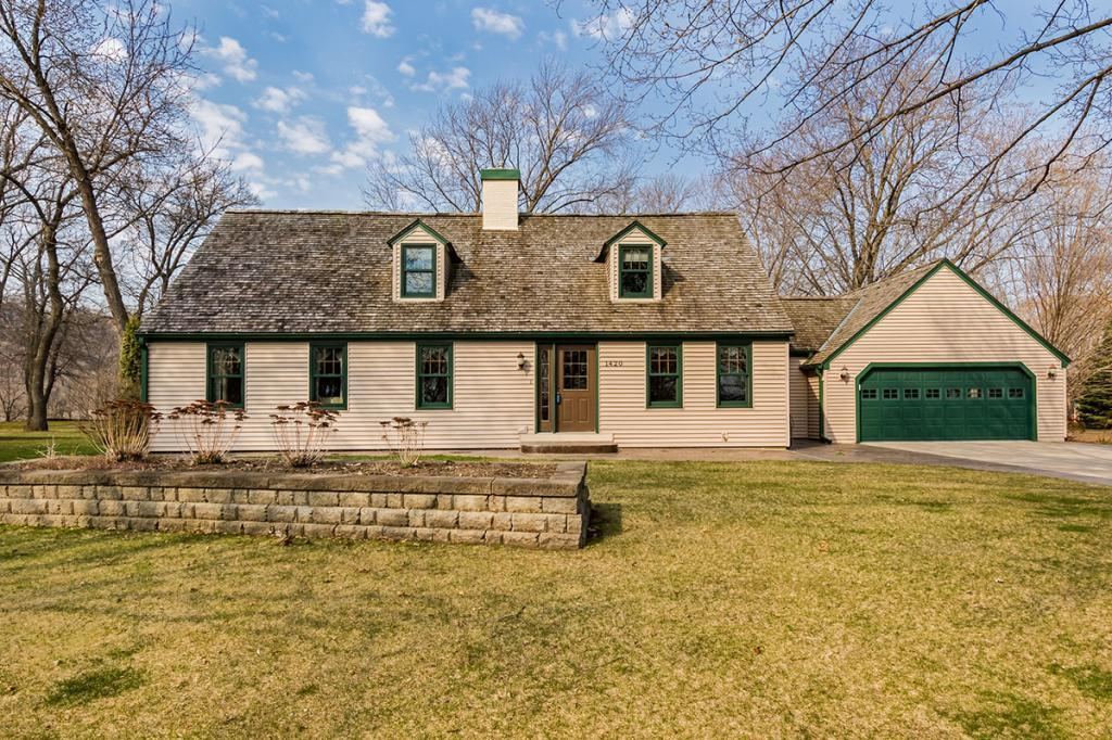 1420 Oak Property Photo