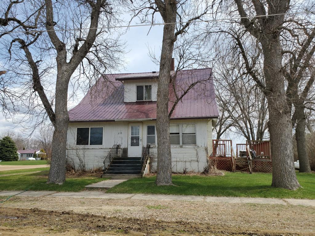 300 Ridge S Property Photo - Trosky, MN real estate listing
