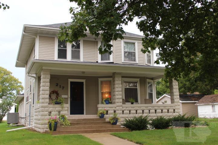 217 1st SE Property Photo - Hampton, IA real estate listing