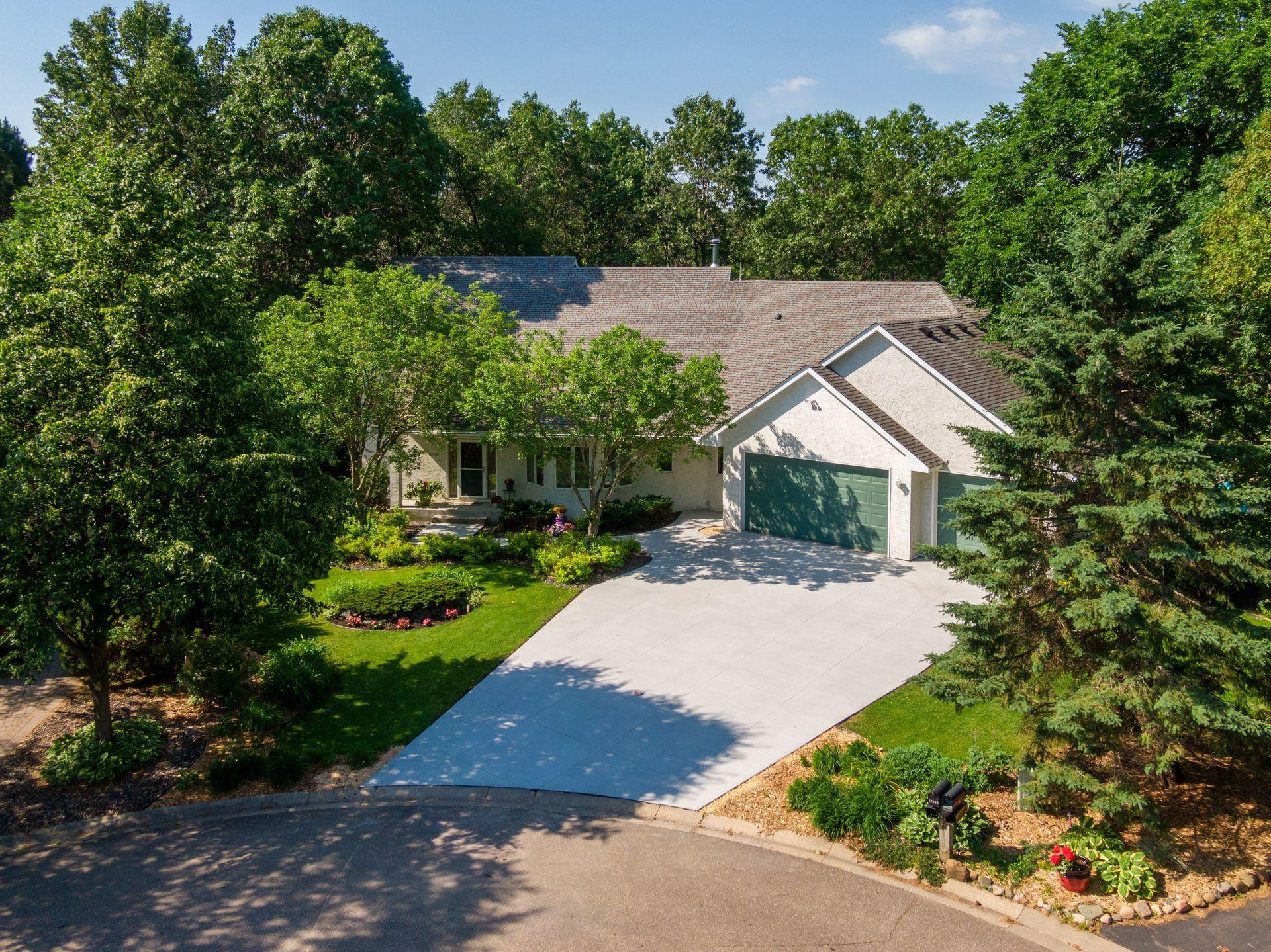 12818 Dover Property Photo - Apple Valley, MN real estate listing
