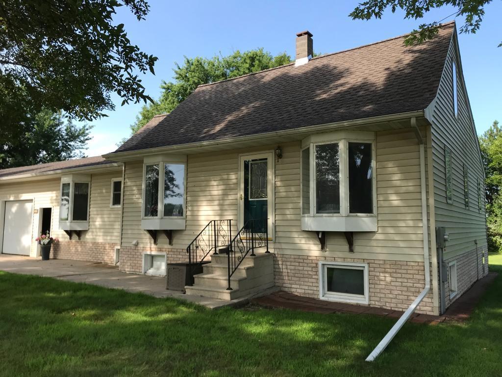 302 S Oak Street Property Photo