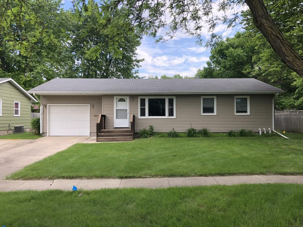1405 Grand Property Photo - Webster City, IA real estate listing
