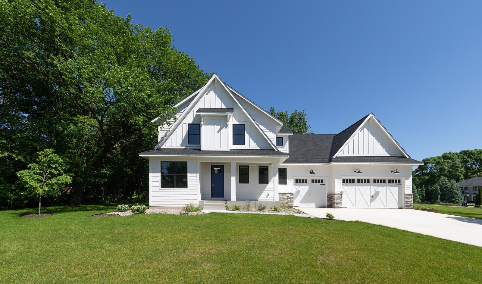 5500 Brook Drive Property Photo - Edina, MN real estate listing