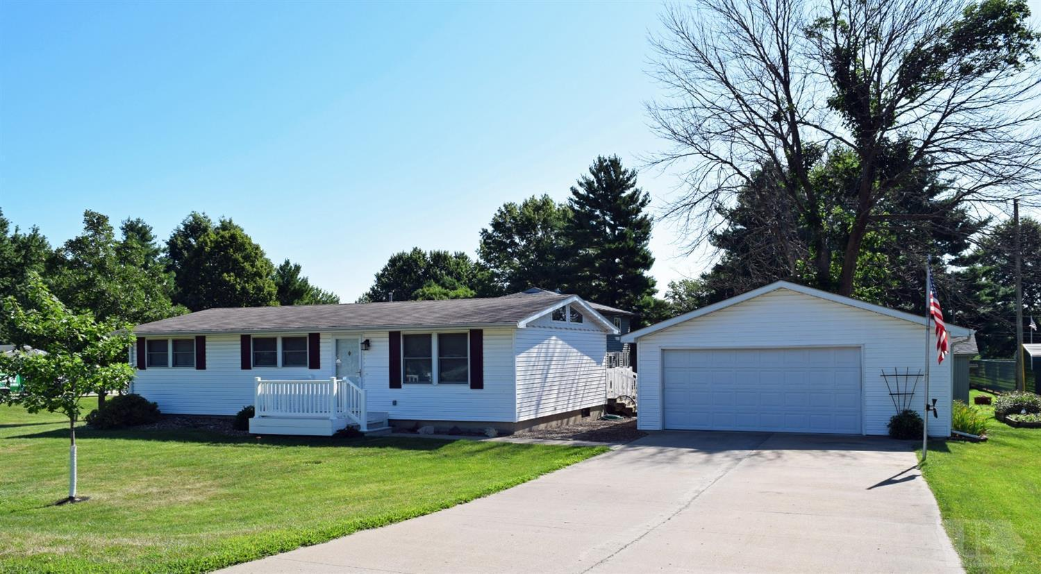 801 33rd Property Photo - Fairfield, IA real estate listing