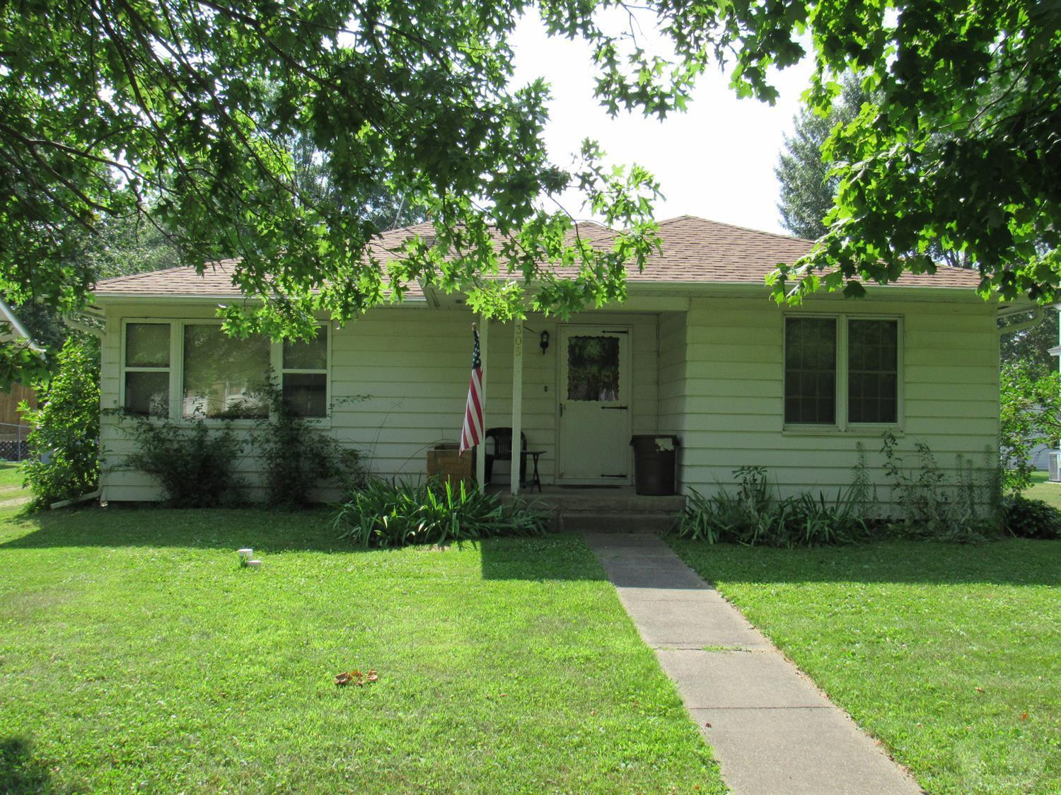 305 Clark Property Photo - Winfield, IA real estate listing