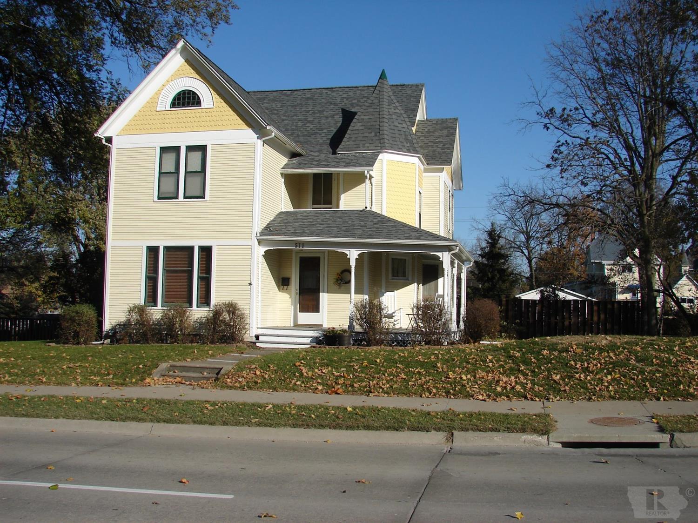 511 Washington Property Photo - Mount Pleasant, IA real estate listing