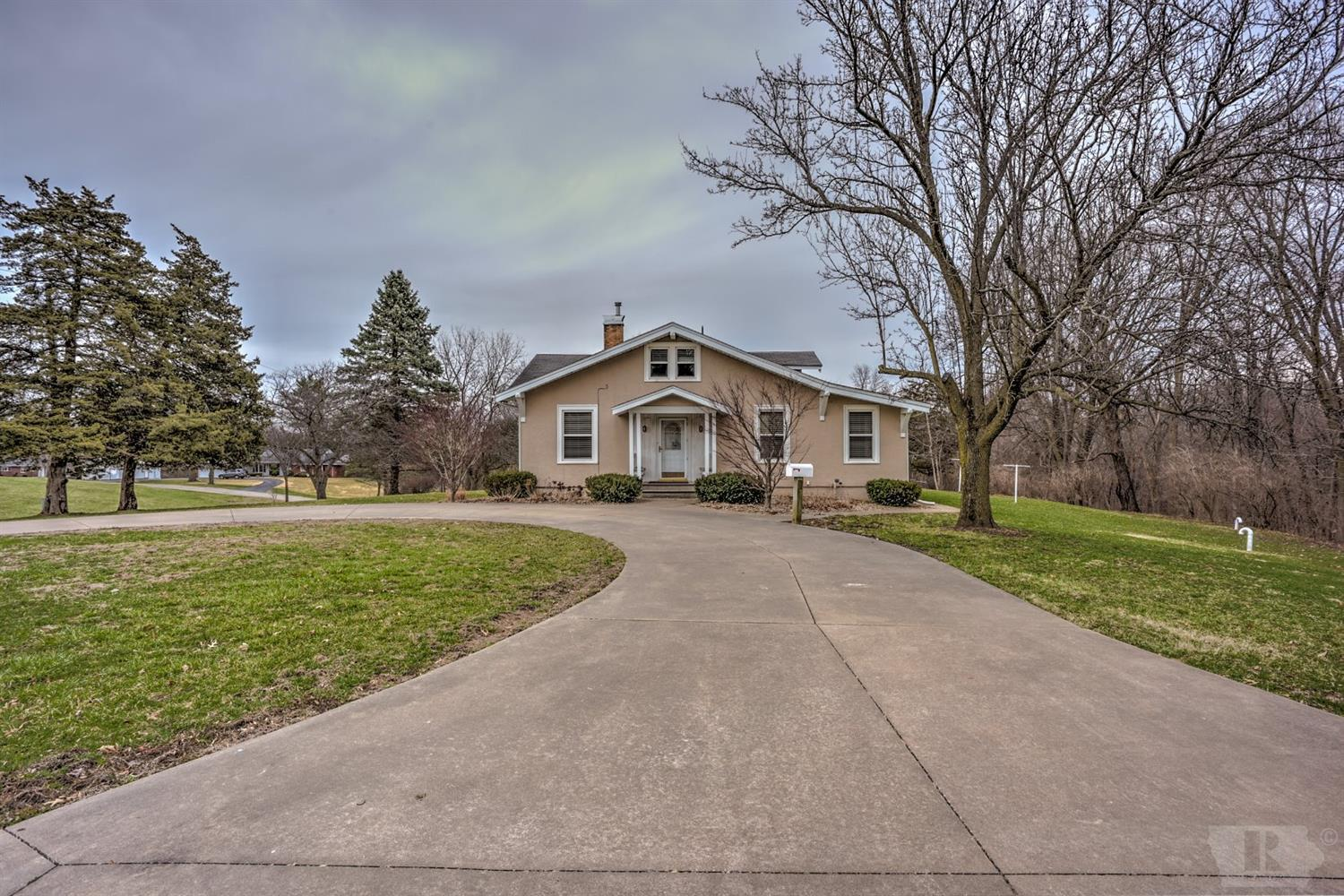 11302 Valley View Property Photo - Burlington, IA real estate listing