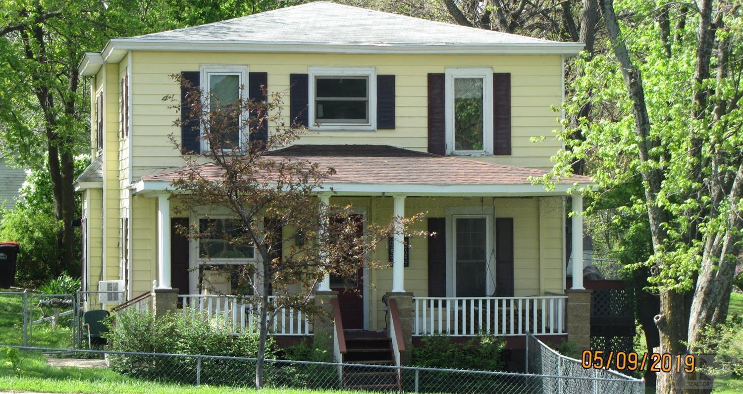 201 South Street Property Photo - Mount Ayr, IA real estate listing