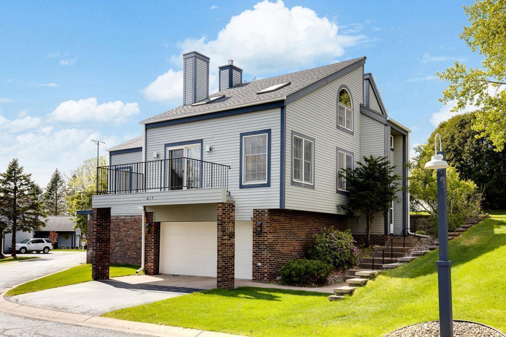 615 Hickory Property Photo