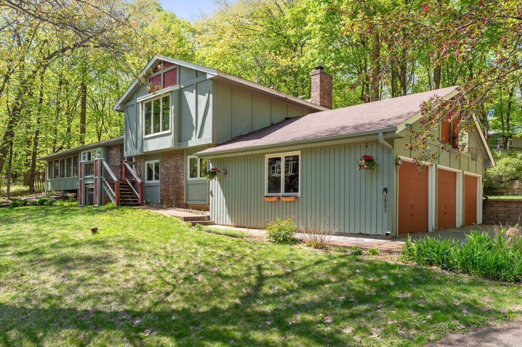 3901 Hillcrest Property Photo