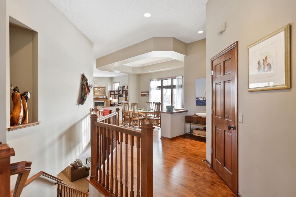 995 Nine Mile Cove E Property Photo - Hopkins, MN real estate listing
