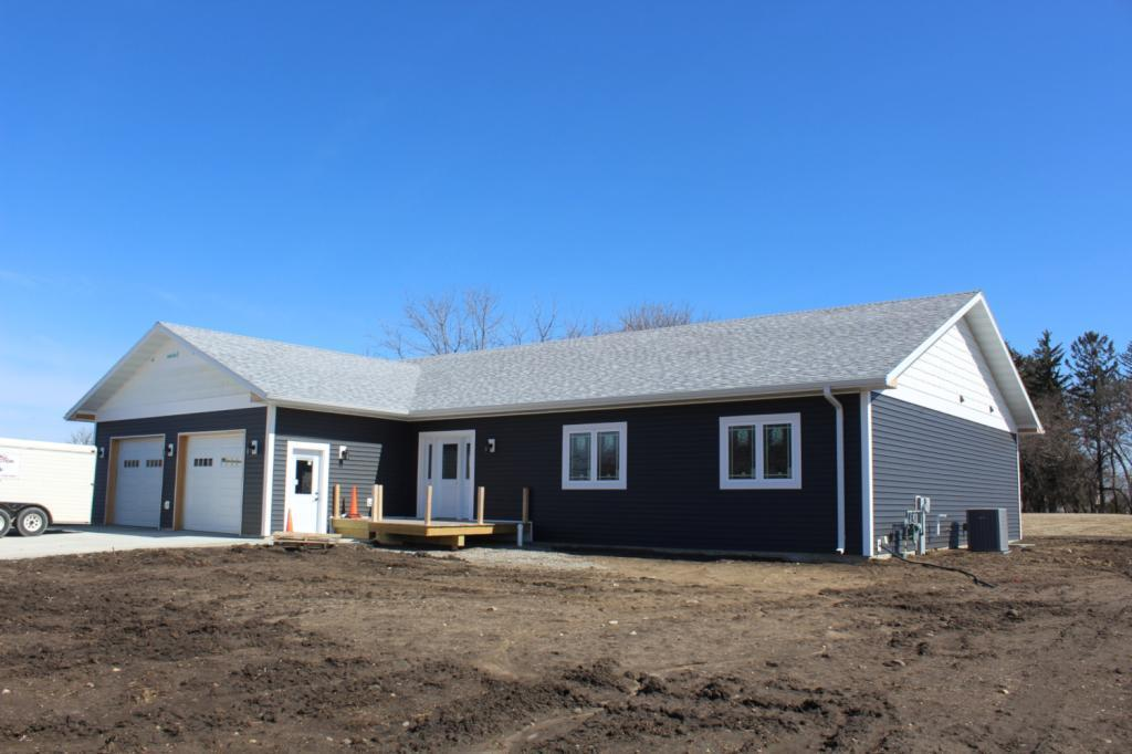 1508 Rylea Property Photo - Clear Lake, IA real estate listing