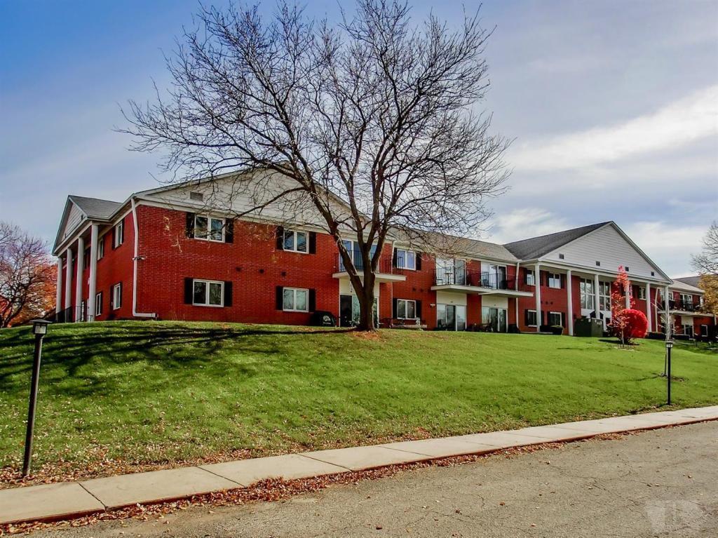 608 Olive #214 Property Photo - Marshalltown, IA real estate listing