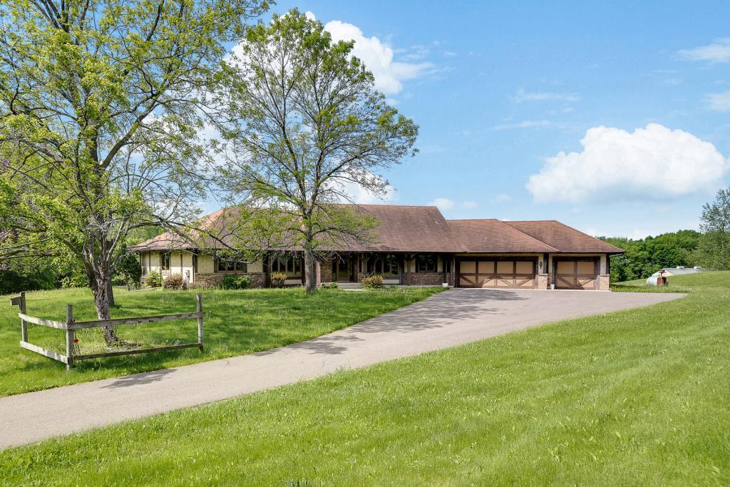 10855 Fernbrook N, Maple Grove, MN 55369 - Maple Grove, MN real estate listing