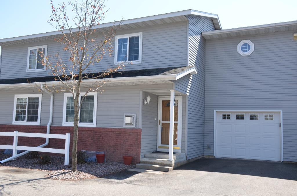 808 Cedar Drive #E Property Photo - La Crescent, MN real estate listing