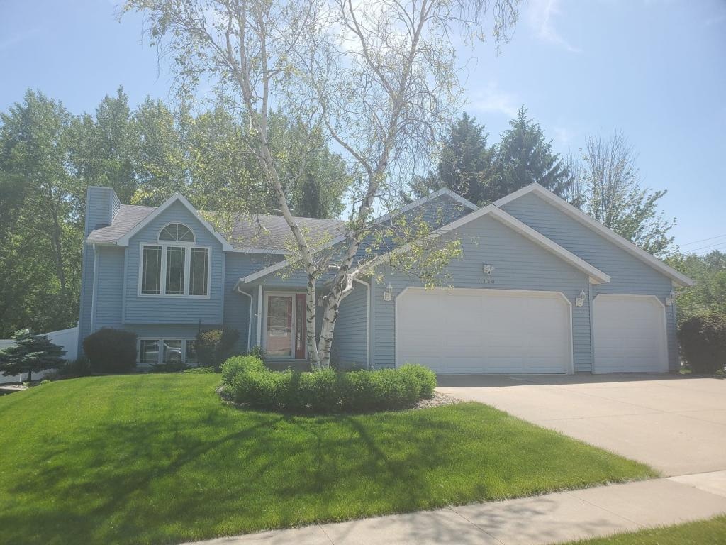 1720 Kings Run NW Property Photo - Rochester, MN real estate listing