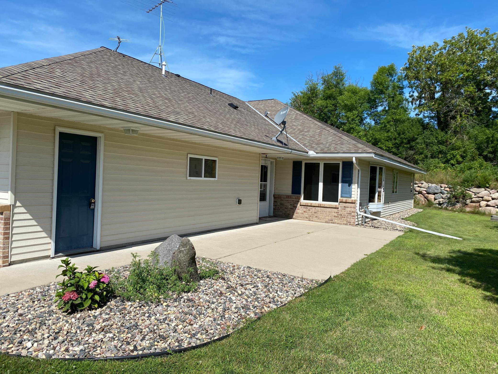 199 Circle View Drive Property Photo - Dassel, MN real estate listing