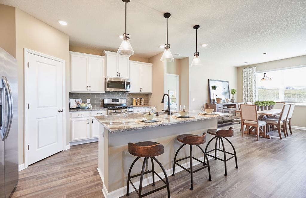 2370 Aloha Property Photo - Shakopee, MN real estate listing