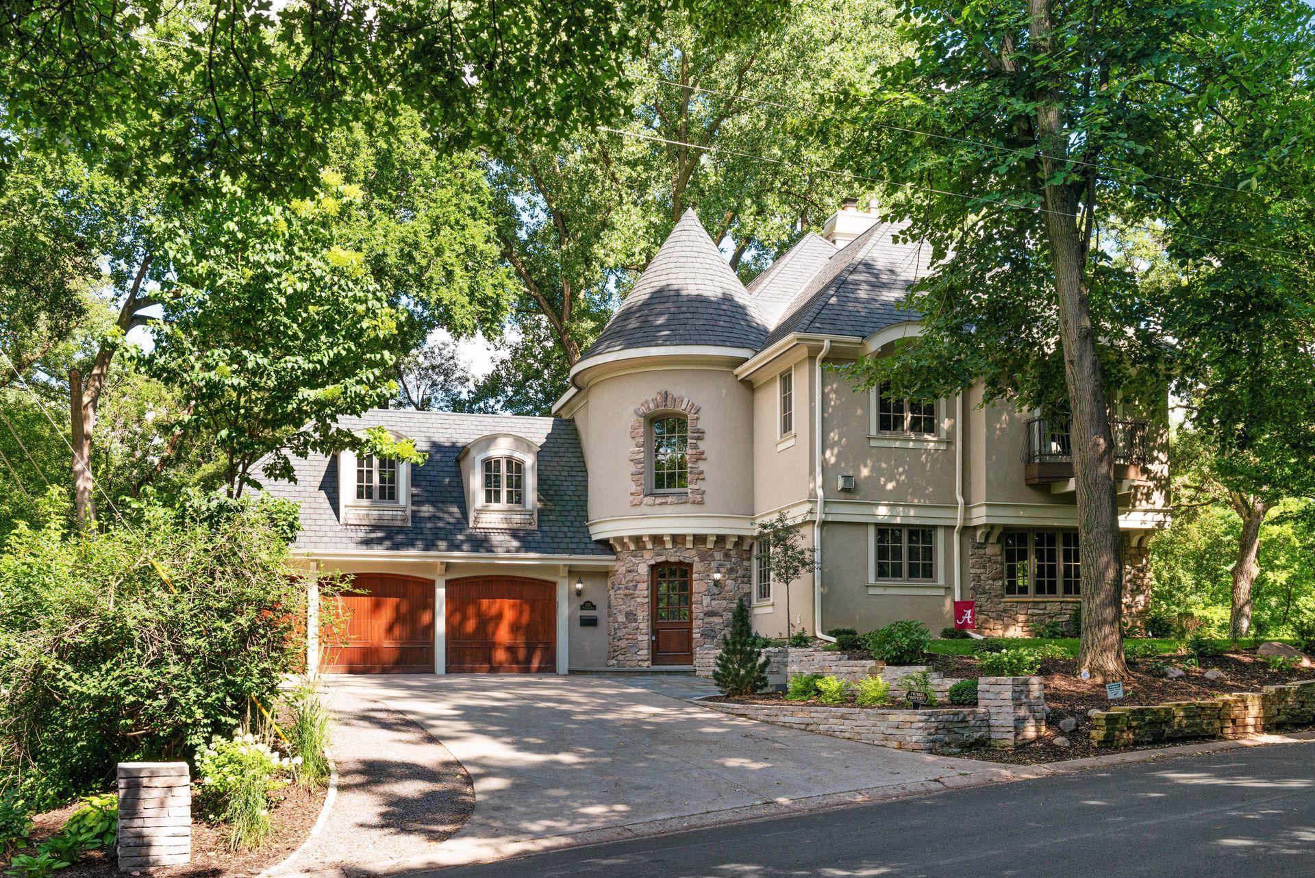 2325 Parklands Road Property Photo - Saint Louis Park, MN real estate listing