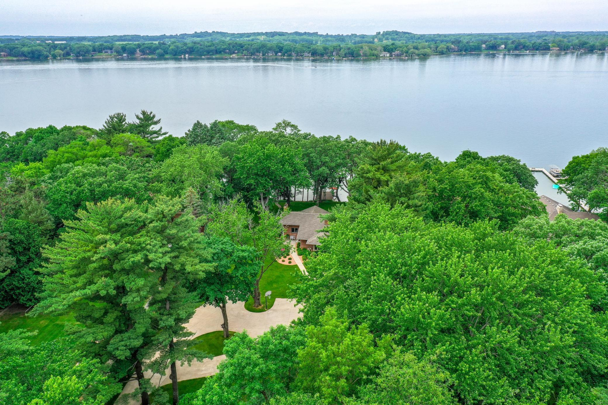 5251 Hodgson Road Property Photo - Shoreview, MN real estate listing