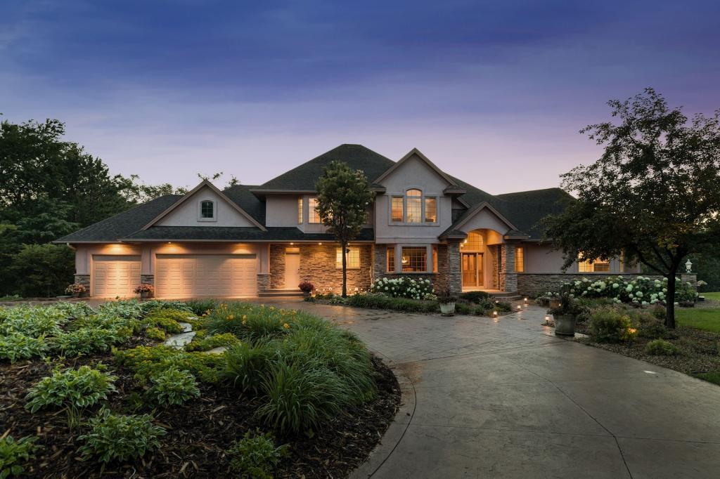 322 Birkdale Property Photo - Hudson, WI real estate listing