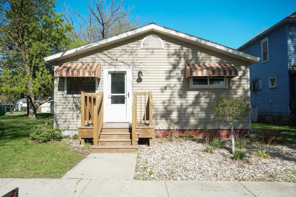 441 Main S Property Photo - Hector, MN real estate listing