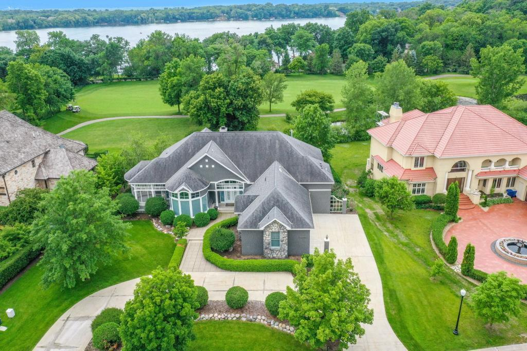 18530 Bearpath Trail Property Photo - Eden Prairie, MN real estate listing