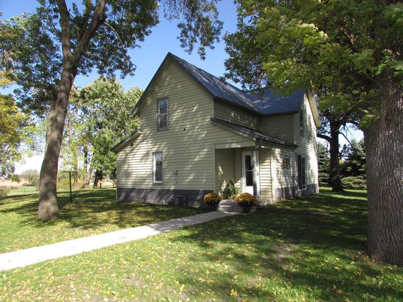 420 5th Street Property Photo - Welcome, MN real estate listing