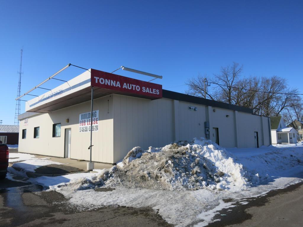 1524 S Cedar Avenue Property Photo - Owatonna, MN real estate listing
