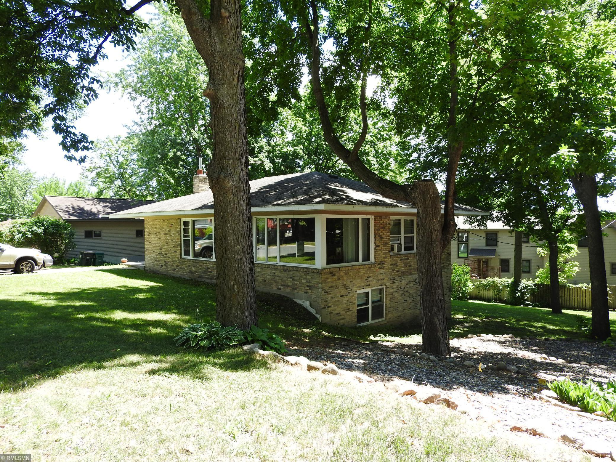 125 Fairlawn Avenue E Property Photo - Winsted, MN real estate listing