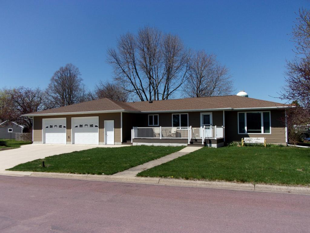 710 E 1st Street S Property Photo - Truman, MN real estate listing