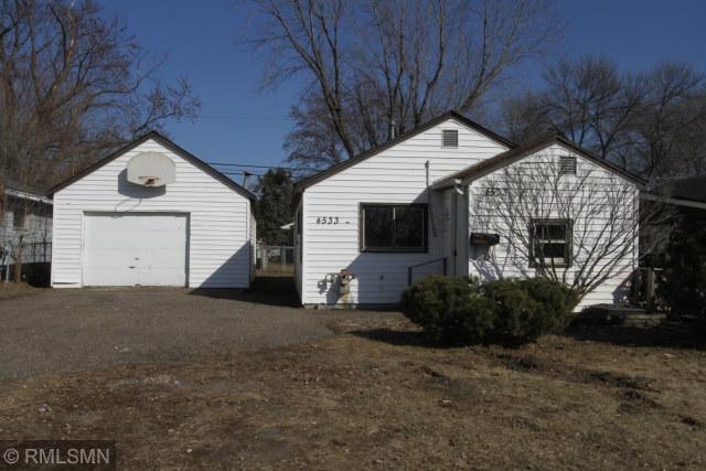 4533 Main NE Property Photo