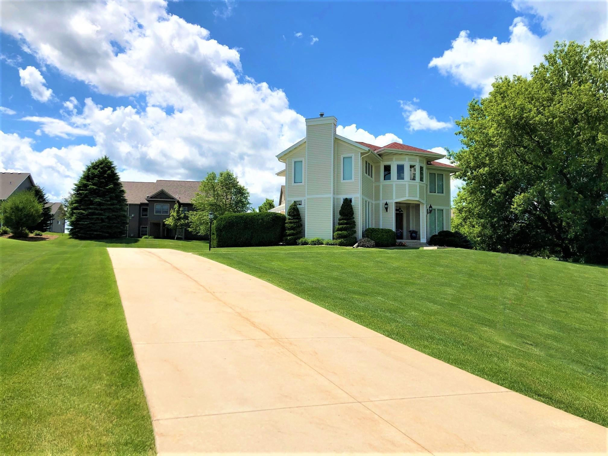 1208 Greystone SW Property Photo - Rochester, MN real estate listing