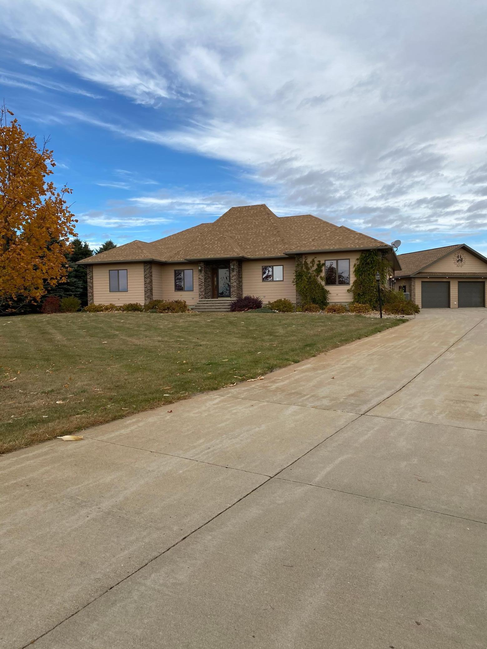 62 Valhalla Road Property Photo - Slayton, MN real estate listing