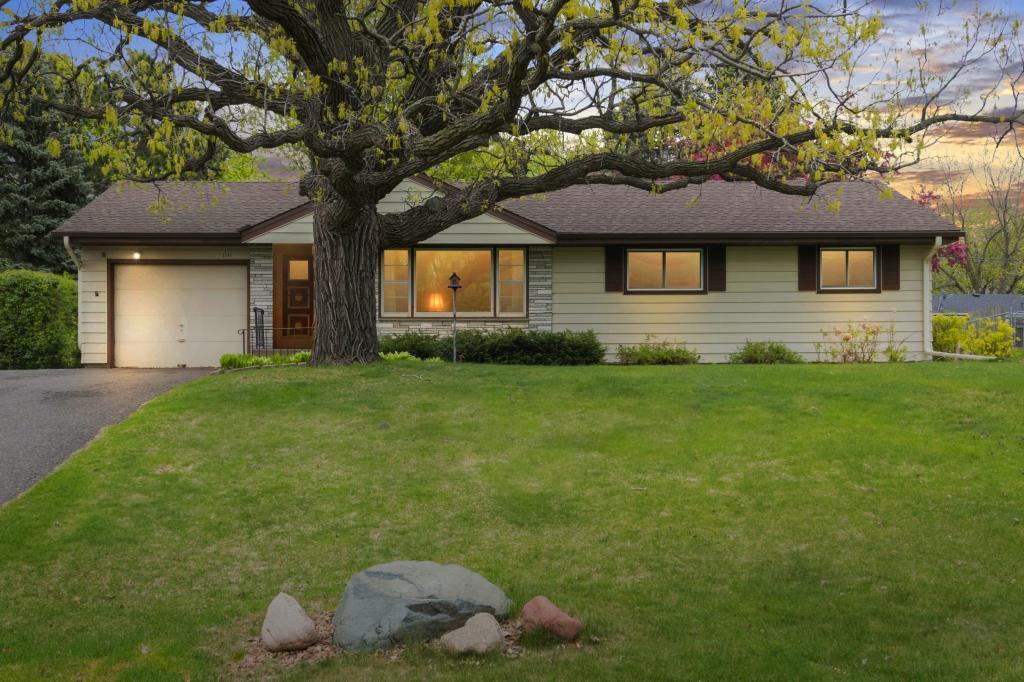 6549 Lucia NE Property Photo