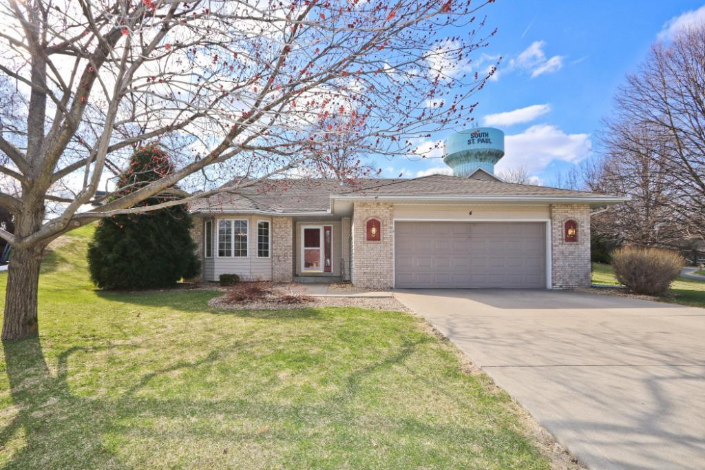 4 Alice Court Property Photo - South Saint Paul, MN real estate listing