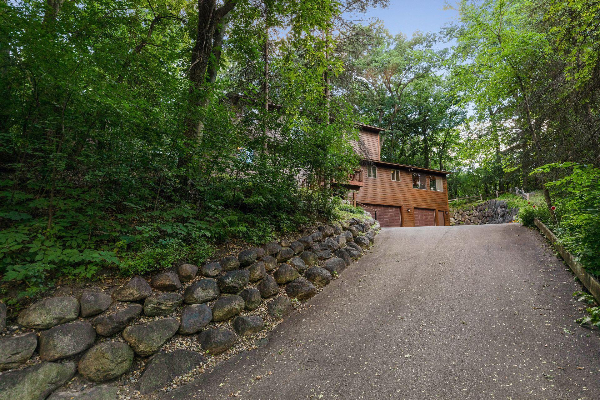 8032 Lea Road Property Photo - Bloomington, MN real estate listing