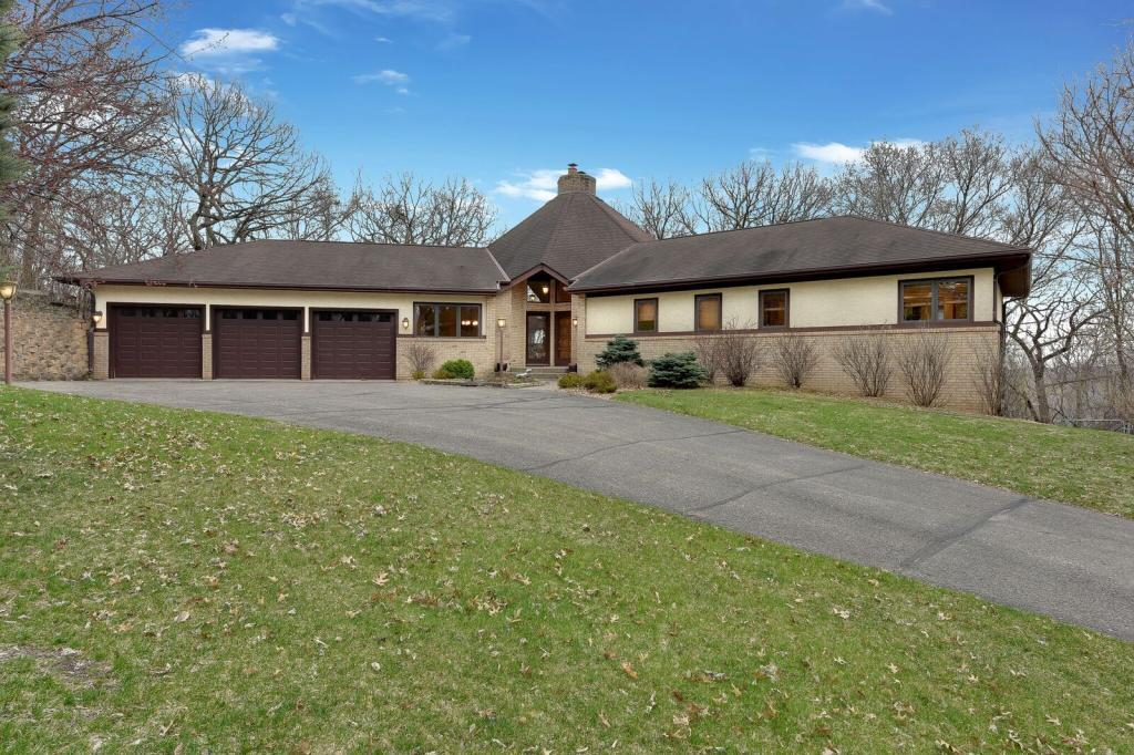 4409 Overlook Property Photo - Bloomington, MN real estate listing