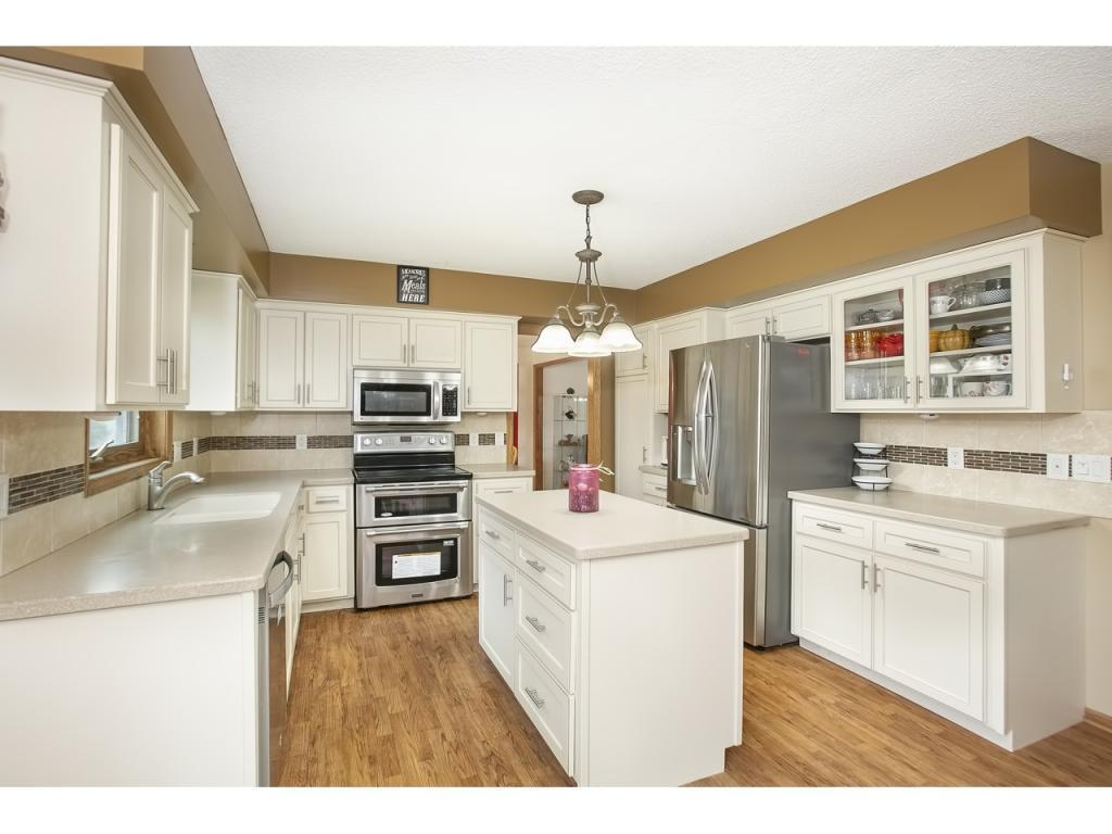 13299 Kerry, Eden Prairie, MN 55346 - Eden Prairie, MN real estate listing