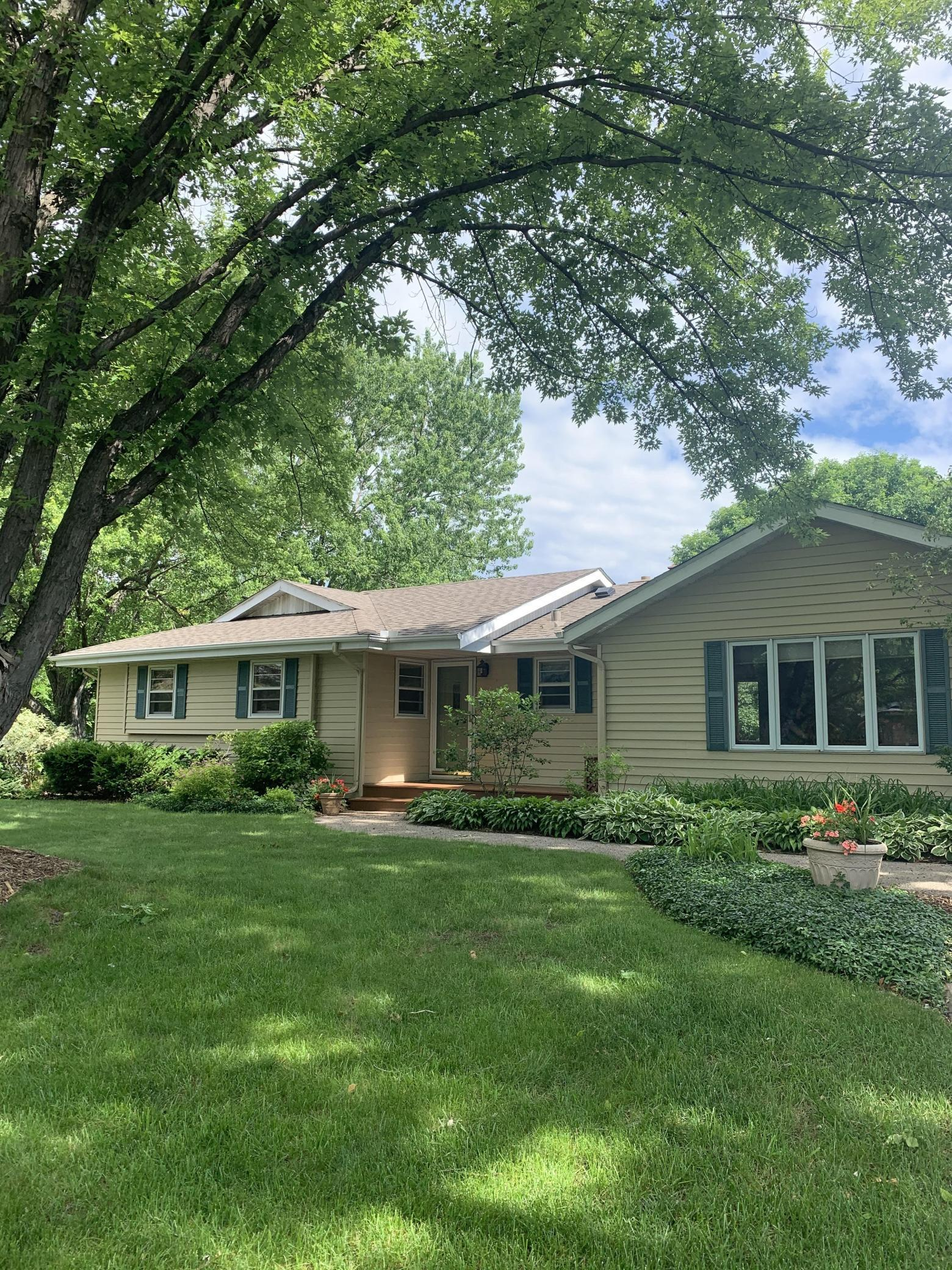 772 Keokuk Property Photo - Mendota Heights, MN real estate listing