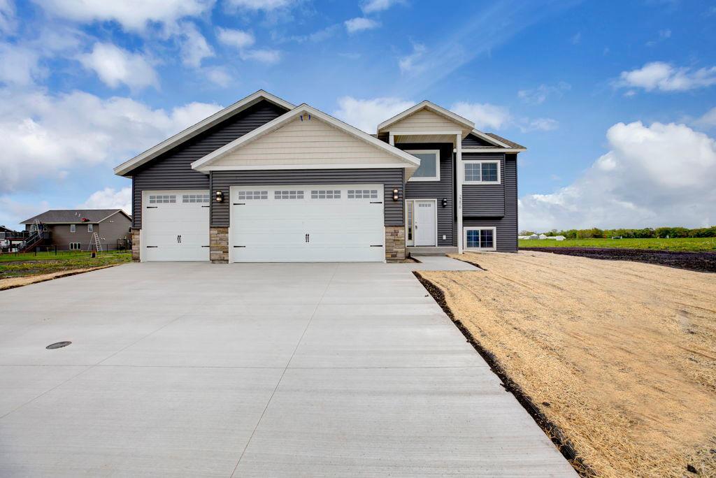2256 Fairbanks Property Photo - North Mankato, MN real estate listing
