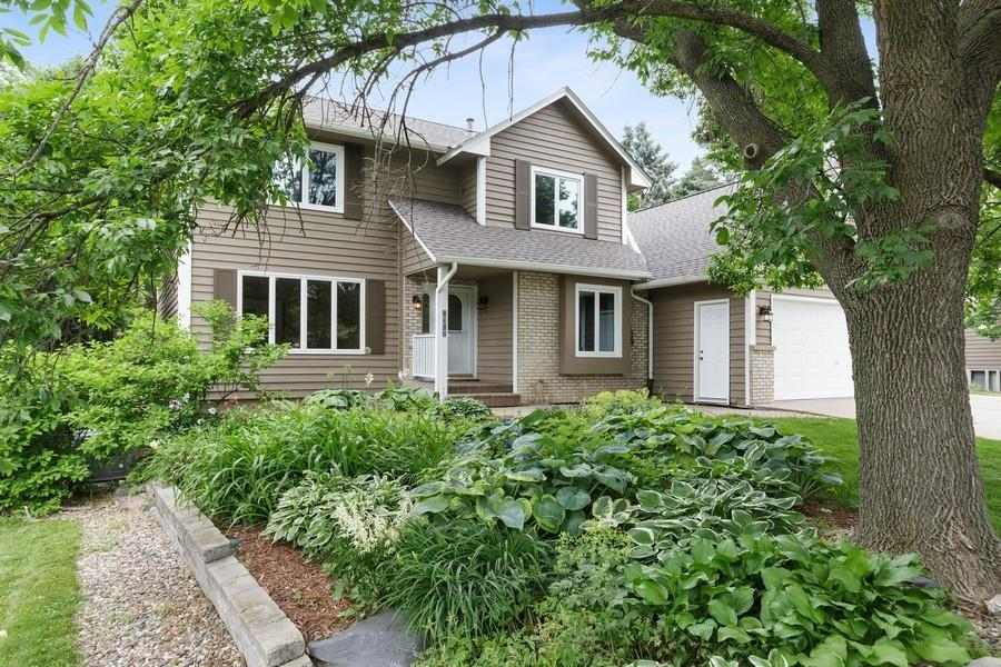 7140 Willow View Cv Property Photo - Chanhassen, MN real estate listing