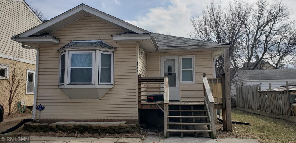 1072 Suburban Property Photo
