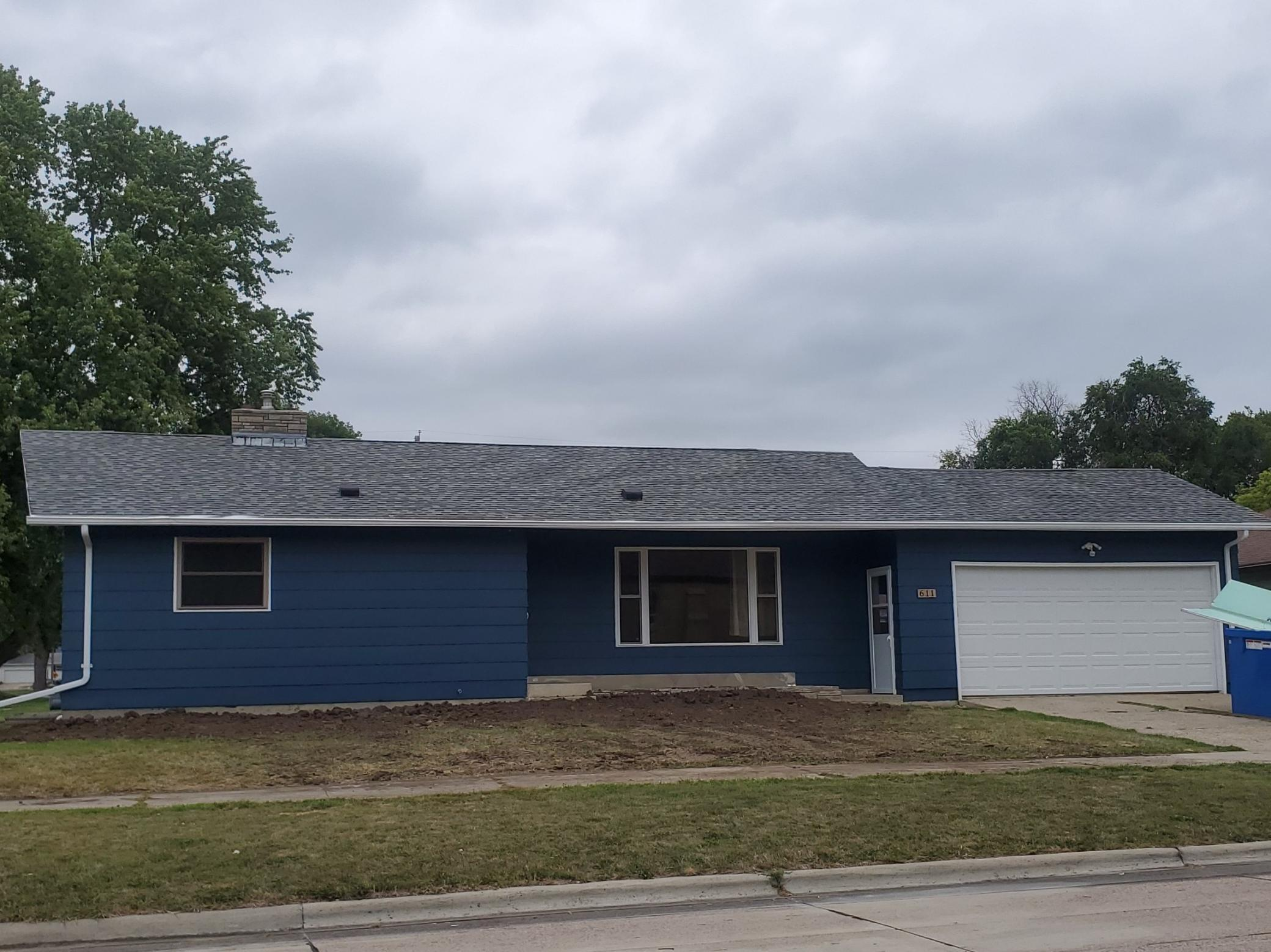 611 4th SW Property Photo - Pipestone, MN real estate listing