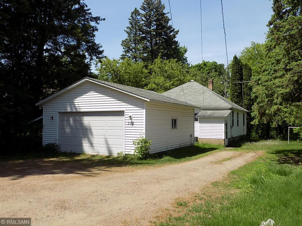 302 Gunn Property Photo - Coleraine, MN real estate listing