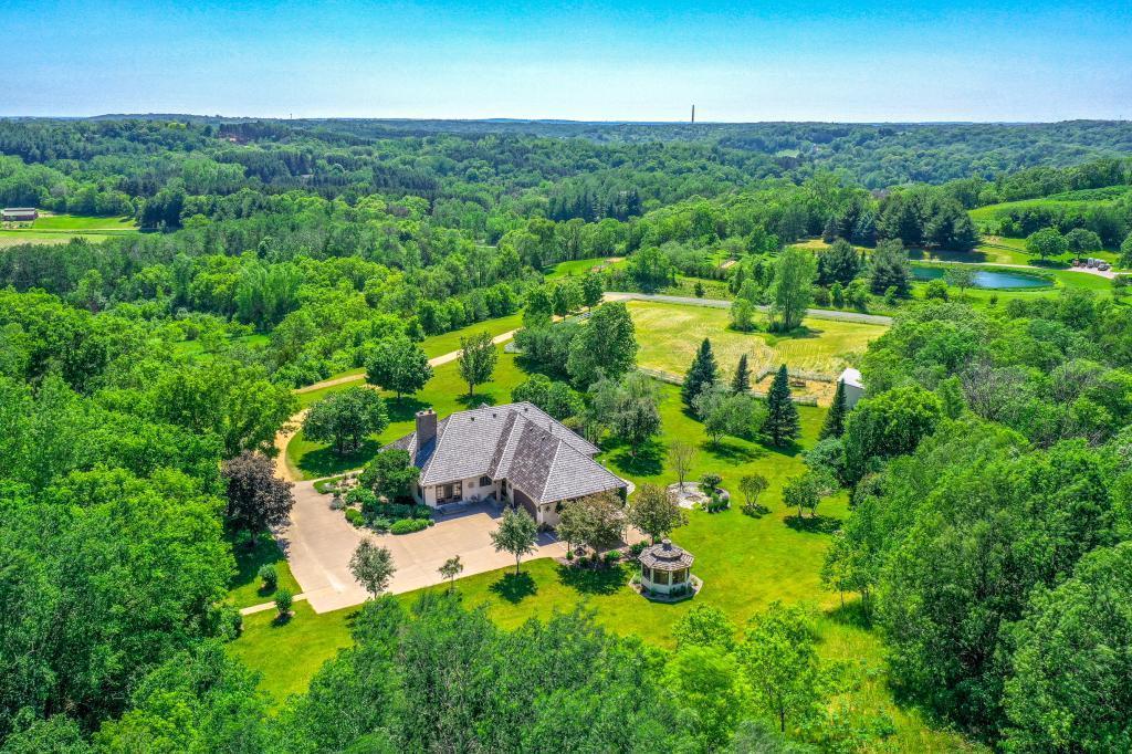 560 Perch Lake Property Photo